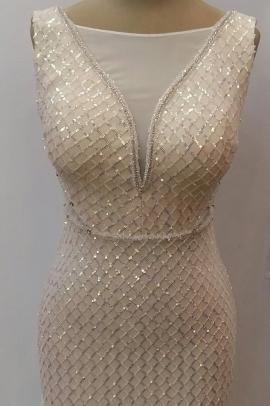 لباس مجلسی زنانه  پولکی دنباله دار شیری رنگ